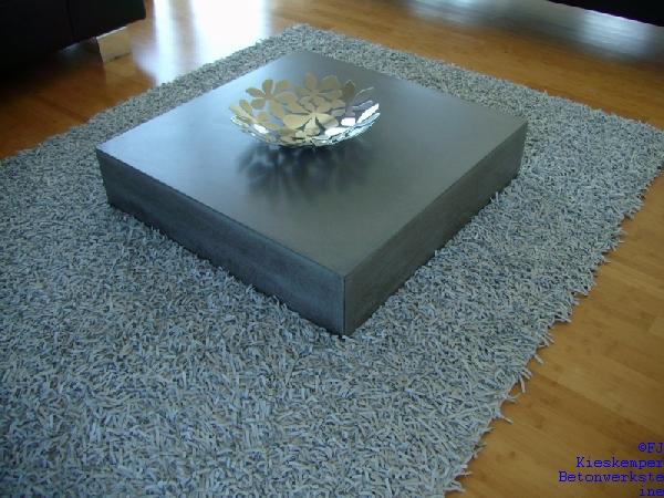 Sichtbetonm bel von fj kieskemper betonstein for Wohnzimmertisch anthrazit
